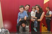 Charity Modenschau - Kulturhaus Hirtenberg - Sa 14.05.2016 - Jakob SEEB�CK mit Michaela, Kinder Valentin u. Sebastian5