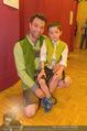 Charity Modenschau - Kulturhaus Hirtenberg - Sa 14.05.2016 - Jakob SEEB�CK mit Sohn Sebastian81