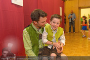 Charity Modenschau - Kulturhaus Hirtenberg - Sa 14.05.2016 - Jakob SEEB�CK mit Sohn Sebastian82