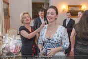 Fete Imperiale Vortanzen - Spanische Hofreitschule - Mi 18.05.2016 - Elisabeth G�RTLER endeckt Lena HOSCHEKs Tatoo21