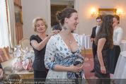 Fete Imperiale Vortanzen - Spanische Hofreitschule - Mi 18.05.2016 - Elisabeth G�RTLER endeckt Lena HOSCHEKs Tatoo22
