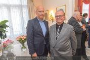 Empfang für Dominique Meyer - Privatwohnung Sarata - Mi 18.05.2016 - Frank HENSEL, Peter SPAK28