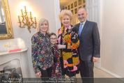 Empfang für Dominique Meyer - Privatwohnung Sarata - Mi 18.05.2016 - Johann und Erna MARIHART mit Enkelin Lilli, Birgit SARATA42