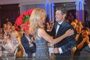 emba - Events Hall of Fame - Casino Baden - Do 19.05.2016 - Hubert Hupo NEUPER mit Ehefrau Claudia und 32 roten Rosen159