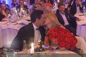 emba - Events Hall of Fame - Casino Baden - Do 19.05.2016 - Hubert Hupo NEUPER mit Ehefrau Claudia und 32 roten Rosen161