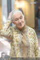Jane Goodall - Nussyy Spar PK - Q19 - Fr 20.05.2016 - Jane GOODALL9