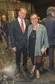 Nein zu krank und arm - Burgtheater - Fr 20.05.2016 - Sabine OBERHAUSER mit Ehemann31
