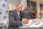 25 Jahre Manfred Baumann Fotografie - BMW Wien Heiligenstadt - Di 24.05.2016 - Manfred BAUMANN gibt Autogramme113