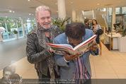25 Jahre Manfred Baumann Fotografie - BMW Wien Heiligenstadt - Di 24.05.2016 - Johnny LOGAN, Roberto BLANCO85