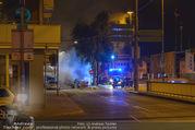 Mercedes brennt - Wiedner Gürtel - Mi 01.06.2016 - Mercedes brennt, Fahrzeugbrand PKW Autobrand Feuer Einsatz12