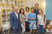 Sommerfest - Ronald McDonald Kinderhilfehaus - Do 02.06.2016 - Kinderhilfehaus-Team mit Sonja KLIMA, Robert SCHEDL, Max STEINER54