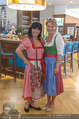 Kristina Sprenger Fotoshooting - Wiener Wiesn Riesenrad - Do 09.06.2016 - Kristina SPRENGER, Isabella KRUMHUBER10