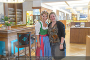 Kristina Sprenger Fotoshooting - Wiener Wiesn Riesenrad - Do 09.06.2016 - 11
