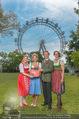 Kristina Sprenger Fotoshooting - Wiener Wiesn Riesenrad - Do 09.06.2016 - Claudia WIESNER, Christian FELDHOFER, Kristina SPRENGER, B INDRA15