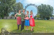 Kristina Sprenger Fotoshooting - Wiener Wiesn Riesenrad - Do 09.06.2016 - Birgit INDRA, Christian FELDHOFER, Kristina SPRENGER, C WIESNER39