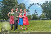 Kristina Sprenger Fotoshooting - Wiener Wiesn Riesenrad - Do 09.06.2016 - Birgit INDRA, Christian FELDHOFER, Kristina SPRENGER, C WIESNER40