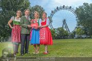 Kristina Sprenger Fotoshooting - Wiener Wiesn Riesenrad - Do 09.06.2016 - Birgit INDRA, Christian FELDHOFER, Kristina SPRENGER, C WIESNER41