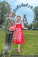 Kristina Sprenger Fotoshooting - Wiener Wiesn Riesenrad - Do 09.06.2016 - Christian FELDHOFER, Claudia WIESNER43