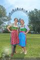 Kristina Sprenger Fotoshooting - Wiener Wiesn Riesenrad - Do 09.06.2016 - Birgit INDRA, Kristina SPRENGER46