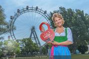 Kristina Sprenger Fotoshooting - Wiener Wiesn Riesenrad - Do 09.06.2016 - Kristina SPRENGER52