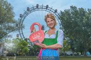 Kristina Sprenger Fotoshooting - Wiener Wiesn Riesenrad - Do 09.06.2016 - Kristina SPRENGER53