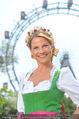 Kristina Sprenger Fotoshooting - Wiener Wiesn Riesenrad - Do 09.06.2016 - Kristina SPRENGER (Portrait vor Riesenrad)62