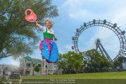 Kristina Sprenger Fotoshooting - Wiener Wiesn Riesenrad - Do 09.06.2016 - Kristina SPRENGER74