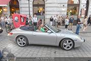 Fete Imperiale - Spanische Hofreitschule - Fr 24.06.2016 - Manfred und Miriam AINEDTER im Porsche Cabrio5