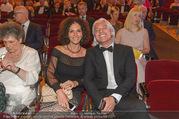 Österreichischer Musiktheaterpreis - Ronacher - Mo 27.06.2016 - Dmitri HVOROSTOVSKY mit Ehefrau Florence101