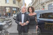 Österreichischer Musiktheaterpreis - Ronacher - Mo 27.06.2016 - Dmitri HVOROSTOVSKY mit Ehefrau Florence64