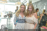 Humanic Enjoy Life & Style - The Room - Di 28.06.2016 - Niki OSL, Zoe STRAUB82