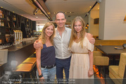 Humanic Enjoy Life & Style - The Room - Di 28.06.2016 - Thomas BORCHERT, Zoe STRAUB, Rebecca RAPP91