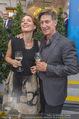 Raiffeisen Sommerfest - Albertina Vorplatz - Do 30.06.2016 - Tobias MORETTI mit Ehefrau Julia43