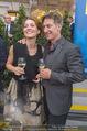 Raiffeisen Sommerfest - Albertina Vorplatz - Do 30.06.2016 - Tobias MORETTI mit Ehefrau Julia45