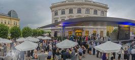Raiffeisen Sommerfest - Albertina Vorplatz - Do 30.06.2016 - Publikum, Festg�ste, �bersicht, Party, Cocktailempfang47