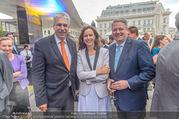 Raiffeisen Sommerfest - Albertina Vorplatz - Do 30.06.2016 - Sophie KARMASIN, Hansj�rg SCHELLING, Andr� RUPPRECHTER58