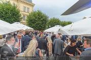 Raiffeisen Sommerfest - Albertina Vorplatz - Do 30.06.2016 - Publikum, Festg�ste, �bersicht, Party, Cocktailempfang64