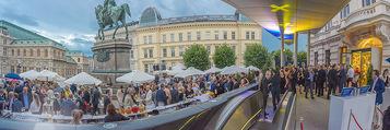 Raiffeisen Sommerfest - Albertina Vorplatz - Do 30.06.2016 - Publikum, Festg�ste, �bersicht, Party, Cocktailempfang66