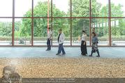 Ai Weiwei Opening - 21er Haus - Di 12.07.2016 - AI Weiwei mit Begleitung, u.a. Freundin Wang FEN11