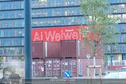 Ai Weiwei Opening - 21er Haus - Di 12.07.2016 - Containerwerbung160