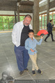 Ai Weiwei Opening - 21er Haus - Di 12.07.2016 - AI Weiwei mit Sohn AI Lao36