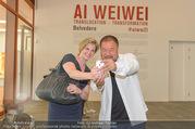 Ai Weiwei Opening - 21er Haus - Di 12.07.2016 - AI Weiwei, Beate MEINL-REISINGER45