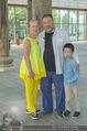 Ai Weiwei Opening - 21er Haus - Di 12.07.2016 - AI Weiwei mit Sohn AI Lao, Agnes HUSSLEIN67
