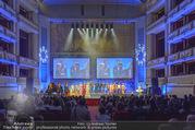Fashion for Europe - Staatsoper - Do 14.07.2016 - B�hne, Show, Publikum, Zuschauerraum, Schlussbild185
