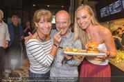 Opening - Le Burger Restaurant - Di 09.08.2016 - Nadine FRIEDRICH, Andy LEE-LANG, Claudia KRISTOVIC-BINDER13