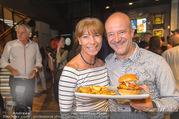 Opening - Le Burger Restaurant - Di 09.08.2016 - Andy LEE-LANG, Claudia KRISTOVIC-BINDER14