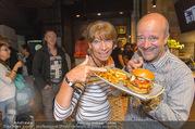 Opening - Le Burger Restaurant - Di 09.08.2016 - Andy LEE-LANG, Claudia KRISTOVIC-BINDER15
