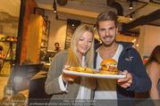 Opening - Le Burger Restaurant - Di 09.08.2016 - Chiara PISATI, Patrick KUNST16