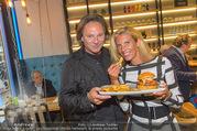 Opening - Le Burger Restaurant - Di 09.08.2016 - Heinz HANNER, Verena PFL�GER21