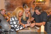 Opening - Le Burger Restaurant - Di 09.08.2016 - Heinz HANNER, Verena PFL�GER, Nadine FRIEDRICH43